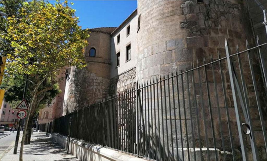 Torreones romanos integrados en el Convento del Santo Sepulcro