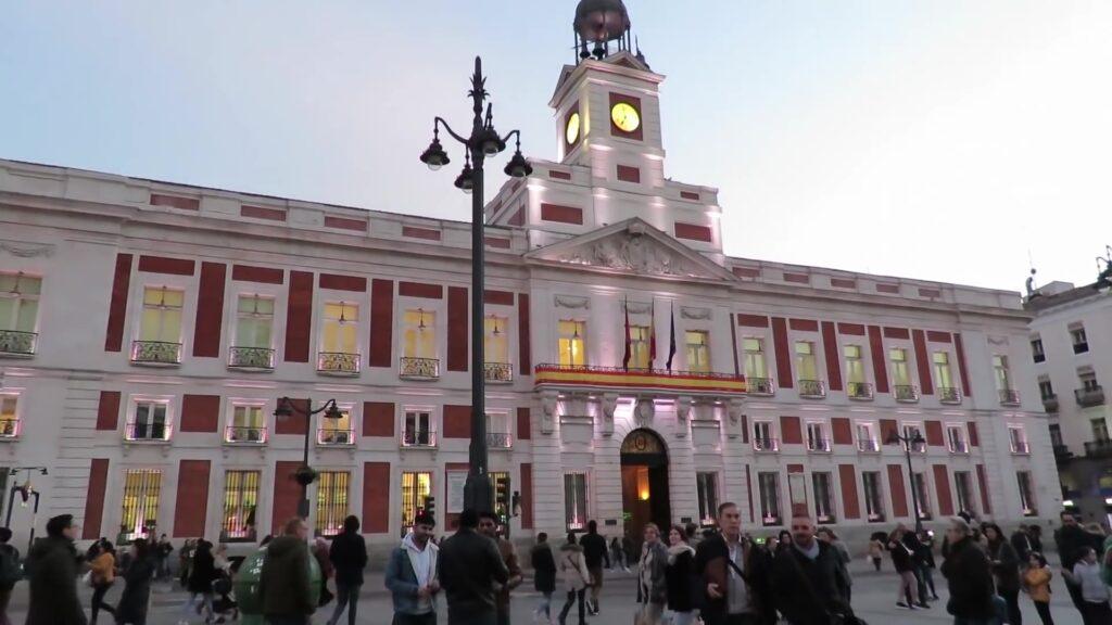 Antigua Casa de Correos. Que ver y hacer en Madrid