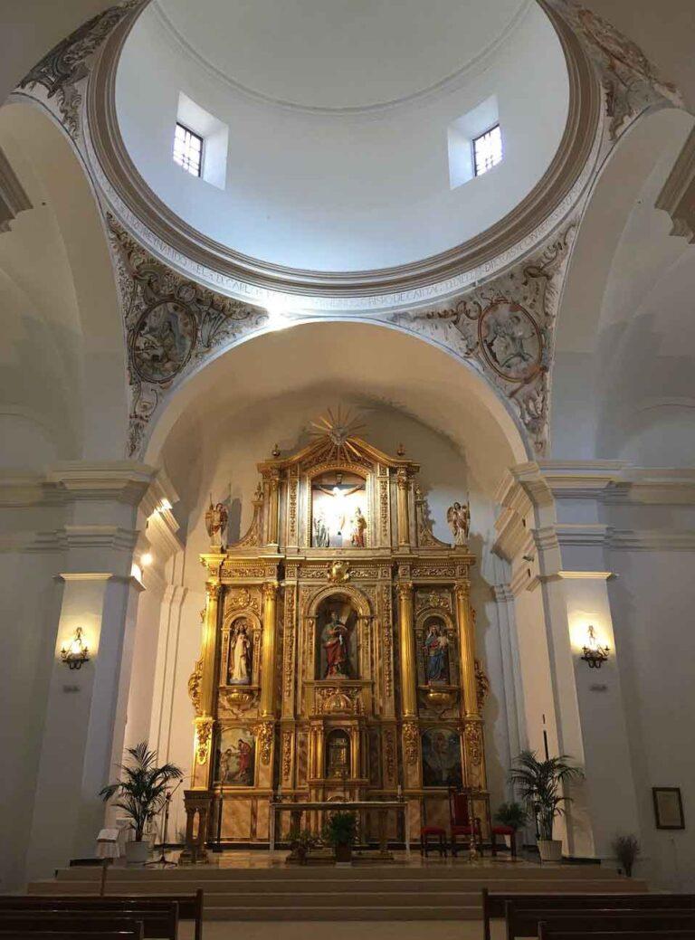 plaza de iglesia Alcalá del Júcar