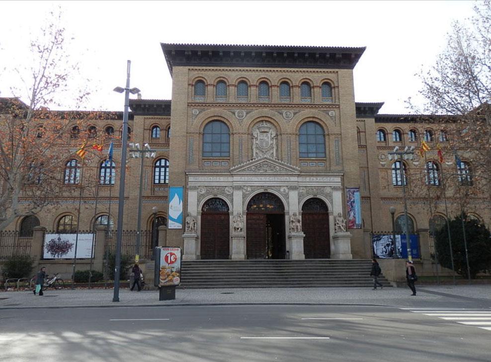 Edificio Paraninfo en la Plaza Aragon de Zaragoza