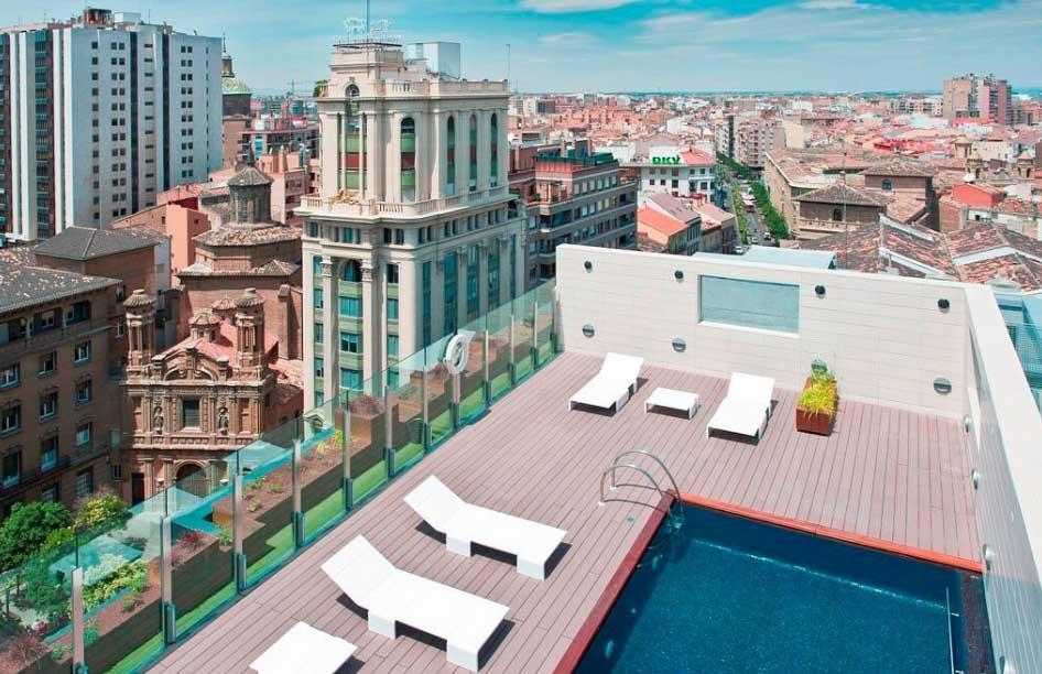 Piscina del hotel Alfonso de Zaragoza